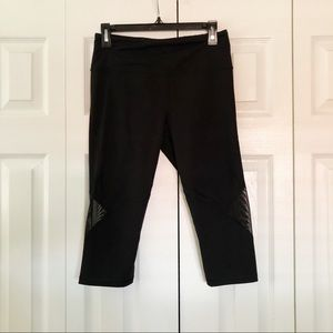 Victoria's Secret Sport Capri Workout Leggings M